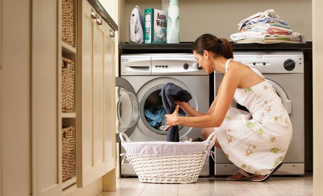 Objetos que no sabías que puedes limpiar en tu lavadora