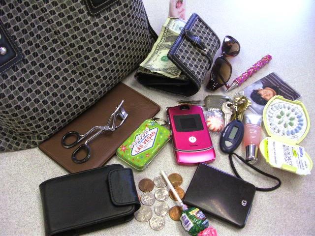 Esenciales del bolso para cada mujer