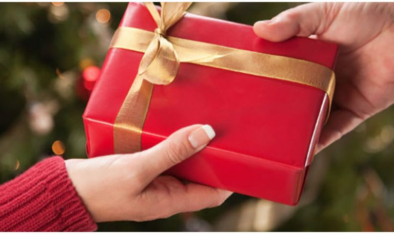 Organiza un intercambio de regalos con estas apps