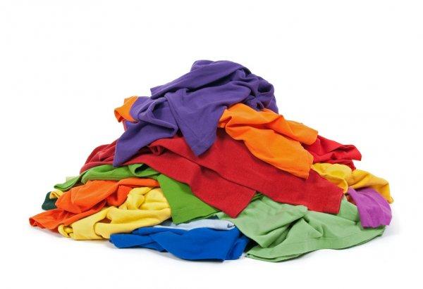 ¿Cómo quitar las manchas viejas de la ropa?