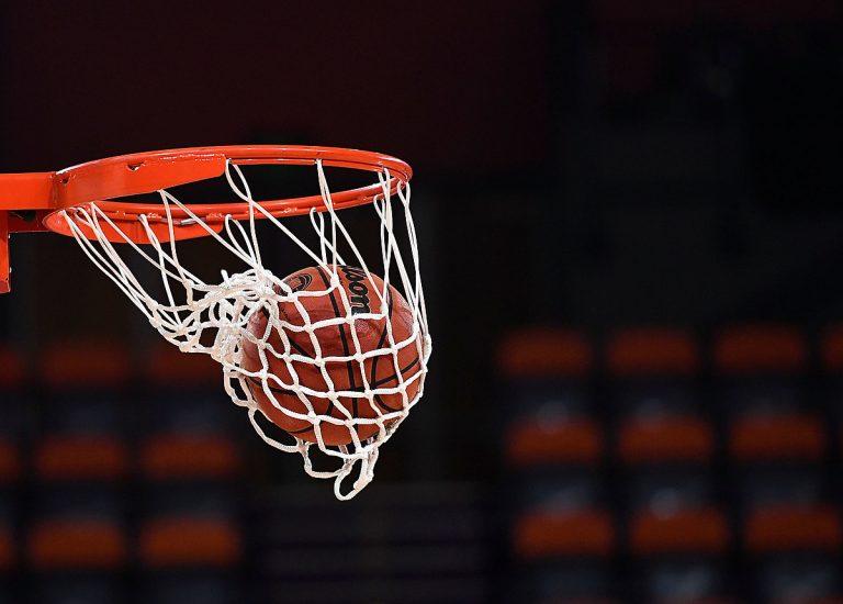 La historia detrás del tablero de basquetbol